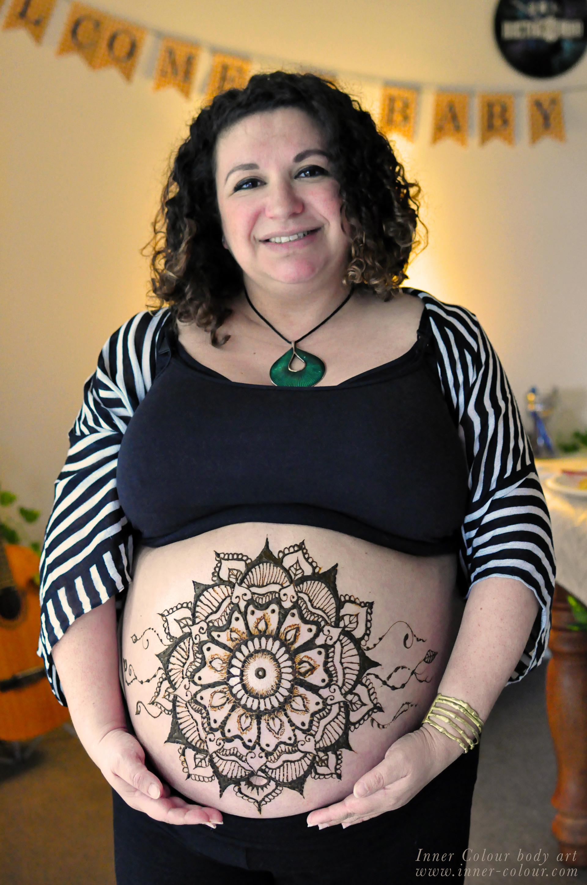 Naomi Henna Belly Art