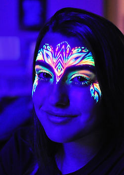 UV neon face painting