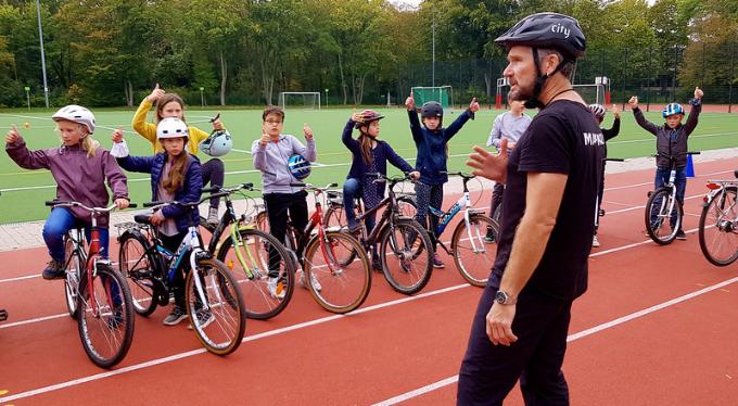 Radfahren und Bike-Fit-Training an der Fritz-Karsen-Schule