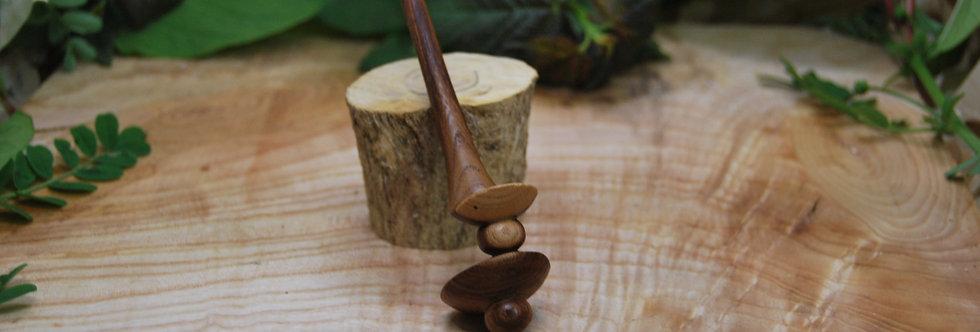 pique à cheveux en en bois d'orme Ø42 H180