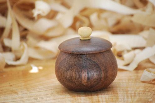 Boite en bois de noyer et buis Ø72 H70 mm