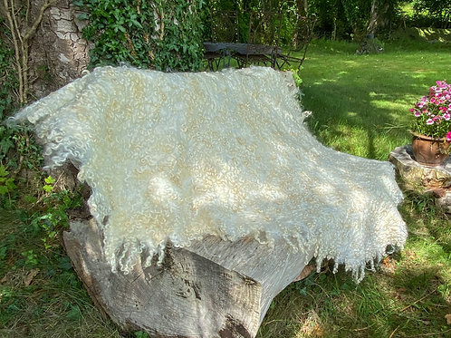 Cotswold curl throw
