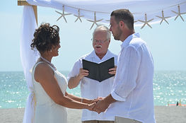 Florida wedding officiant, Venice wedding Officiant, Ft Myers beach officiant