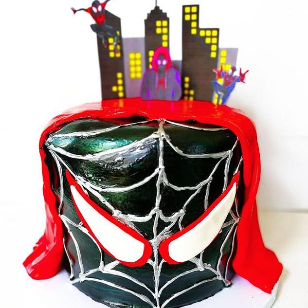 🕷️Spider-Man_ Into the Spider-Verse Cak