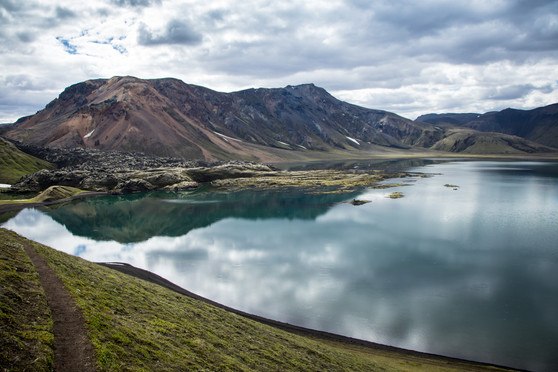 Island jezero před Landmannalaugarem