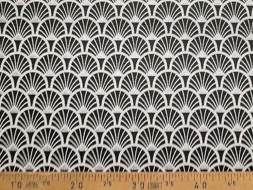 Ameublement 50 - Éventails jacquard noirs et blancs, triangles lurex argent