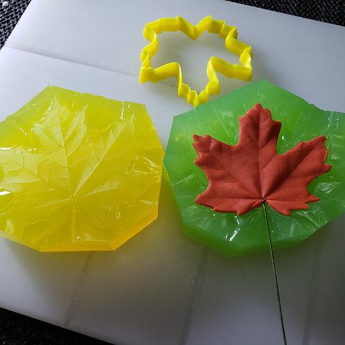 Maple leaf cutter L 557c1