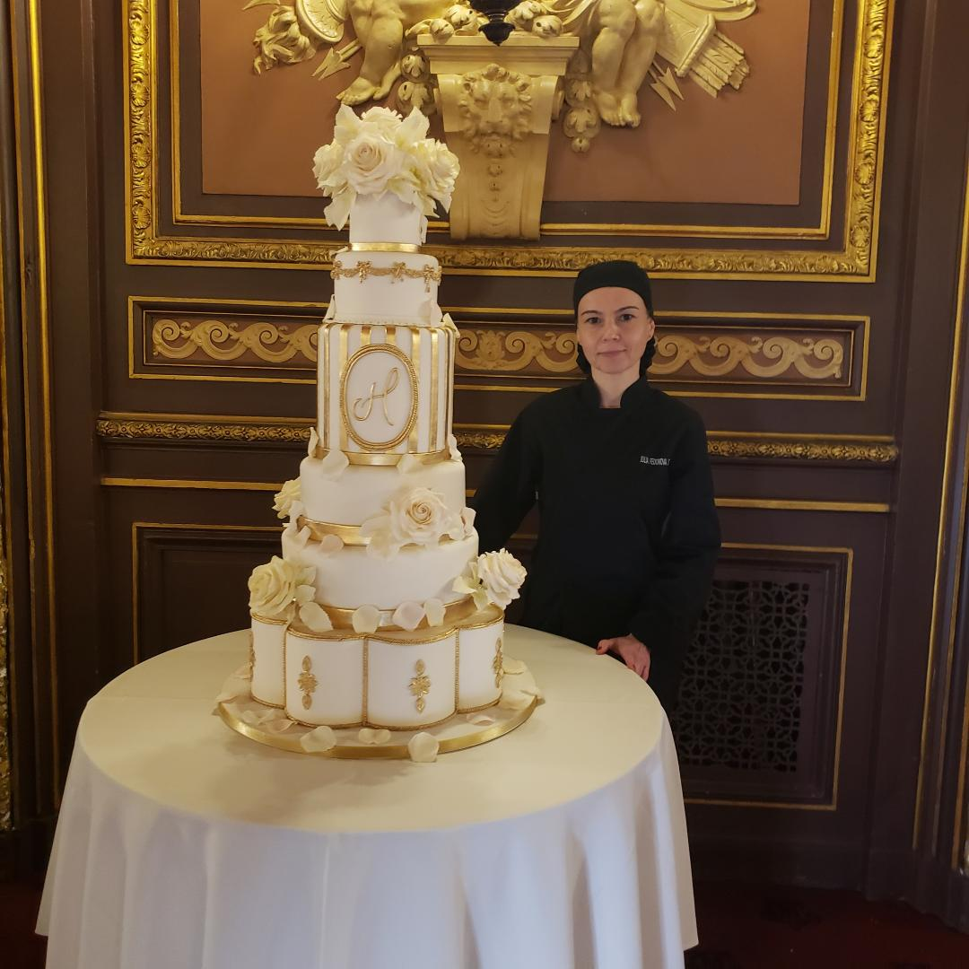 Metropolitan Club. Wedding Cake