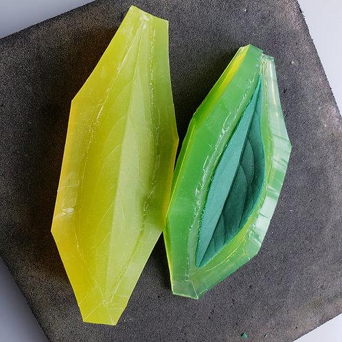 Peony leaf L 585v