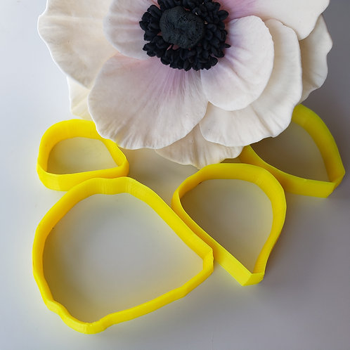 Anemone petal cutters set #1 of four 108c4,109c1,109c3,111c1