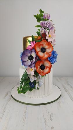 gorgeous cake for small wedding