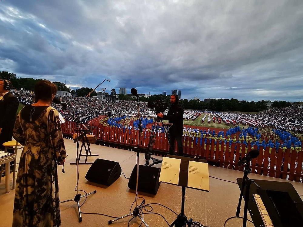 """Triinu Taul singing """"Maa Hing"""" at Estonian Dance Celebration"""