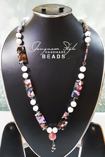 Beautiful simple neckless