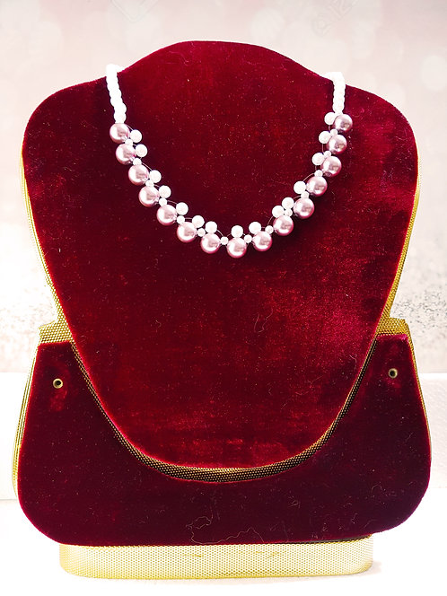 Simple and gorgeous necklace with two color combination pearl
