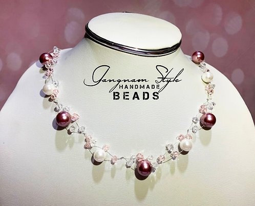 Simple necklace with two color combination pearl and crystal