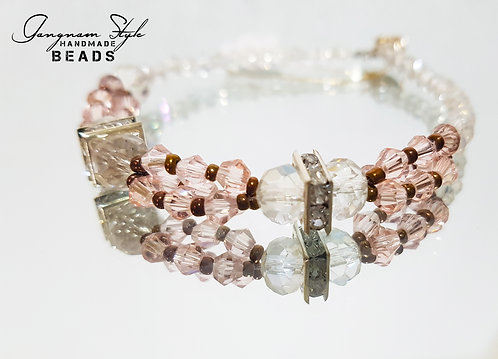 Beautiful bracelet of glass bead and squire stone spacer