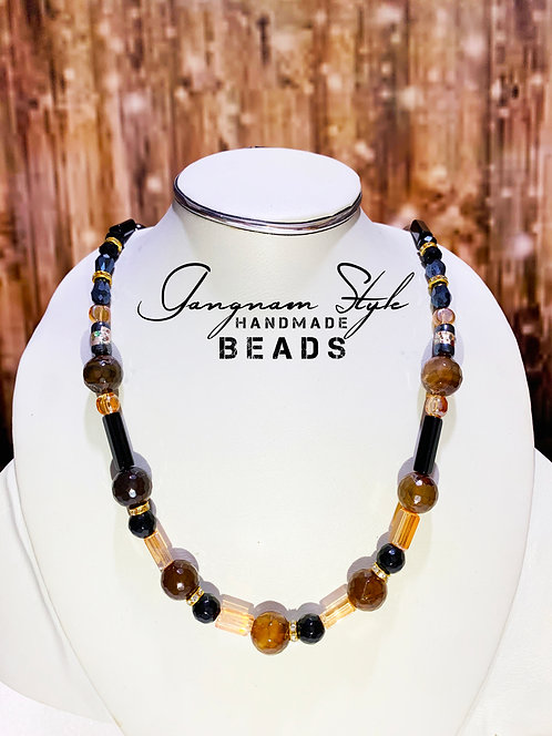 Different color necklace with crystal beads