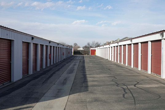 Wide aisles for easy access with large vehicles