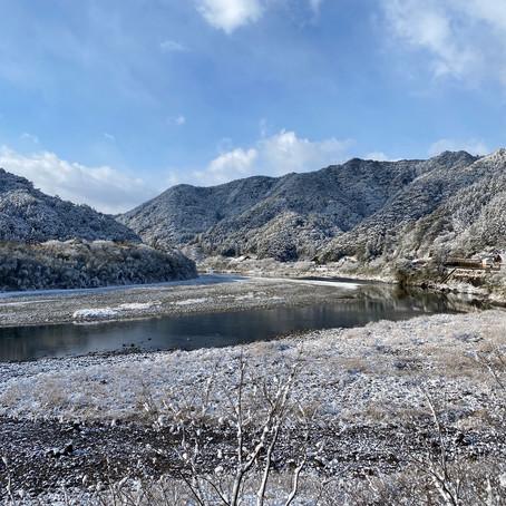 雪の仁淀川