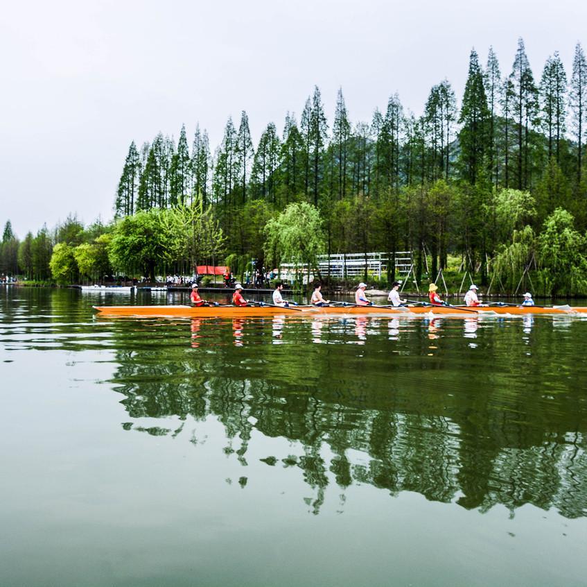 What a beautiful setting...Xiang Lake.