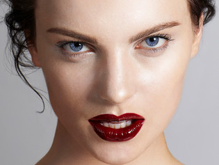Glossy Red Lip