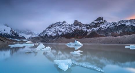 FLOATING ICE (2 z 1).jpg