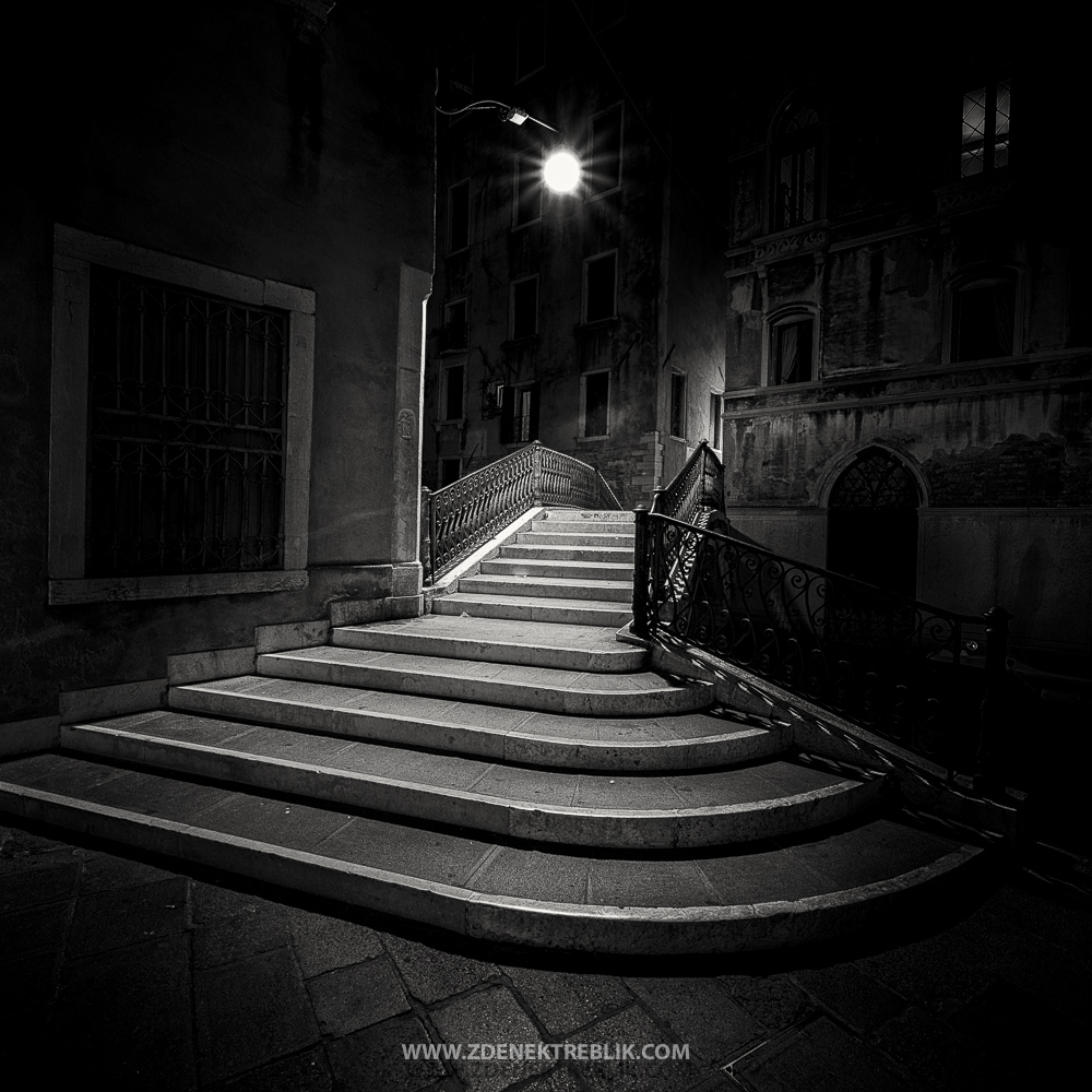 VENICE IN THE NIGHT 36 (3 z 1)