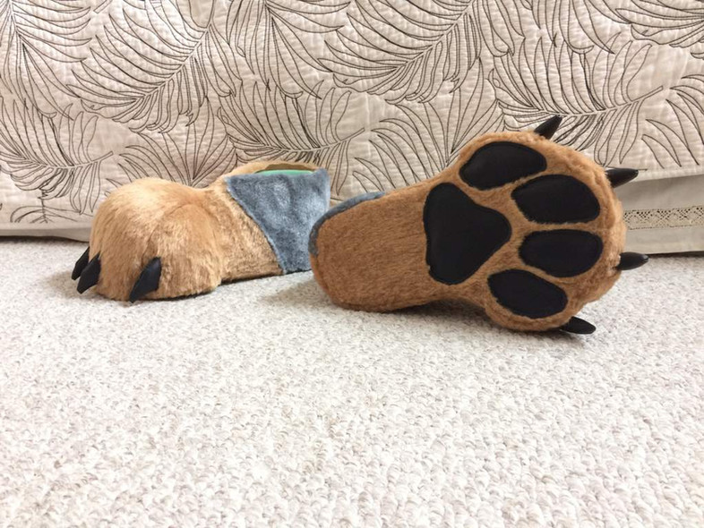 feet paws | Rood Hyena Fursuits