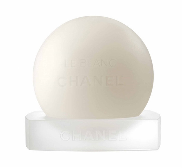 Chanel Le Blanc Brightening Pear Soap | BeautyFresh