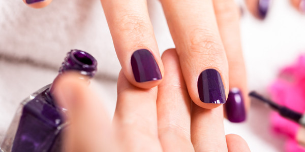 9 Trendy Must-Have Nail Polish Colors