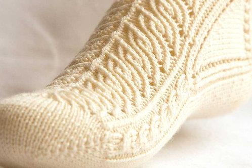 Zum Dirndl Stockings pattern