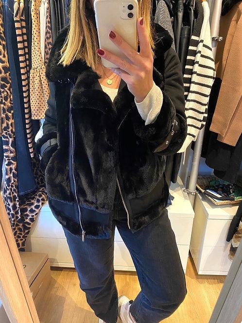 Blusão combinado pêlo preto Morgan