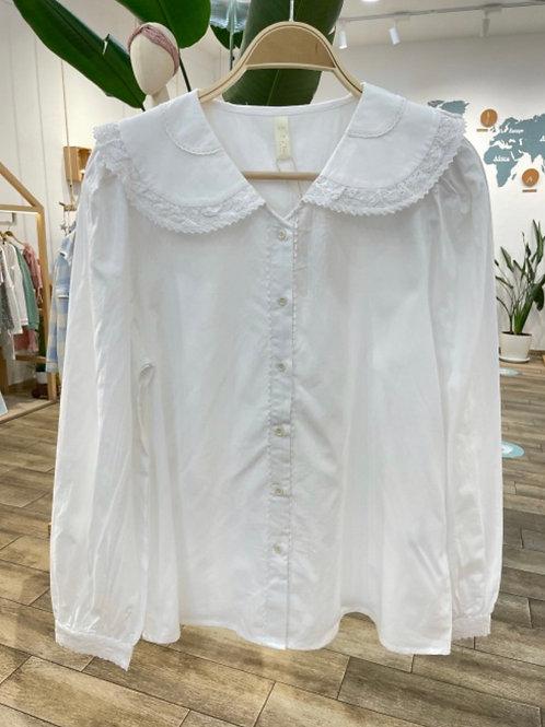 Camisa branca com gola dupla bordada