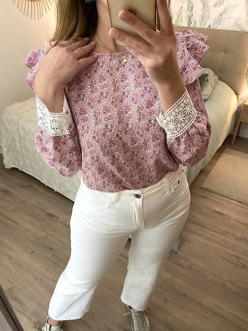 Blusa estampada com punho em renda rosa