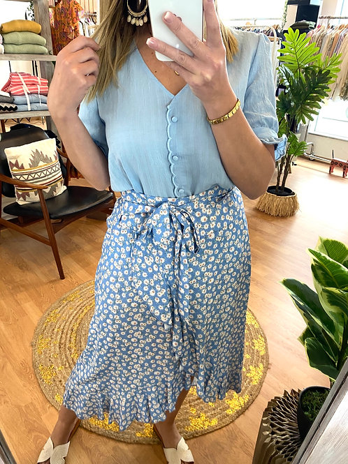 Blusa azul manga curta