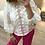 Thumbnail: Blusa branca bordada manga balão