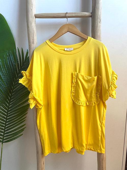 T-shirt com bolso amarelo
