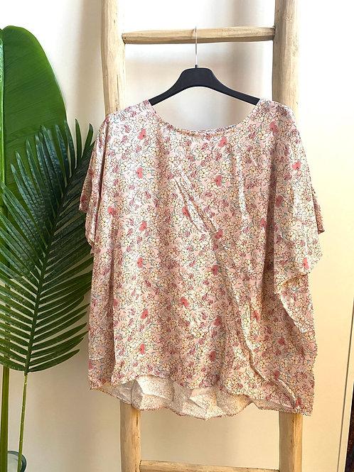 Blusa oversize florzinhas rosa