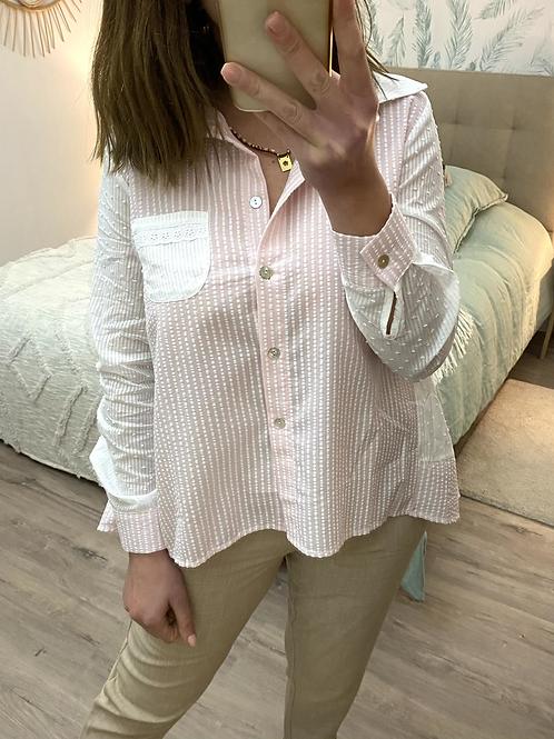 Camisa rosa com rendas