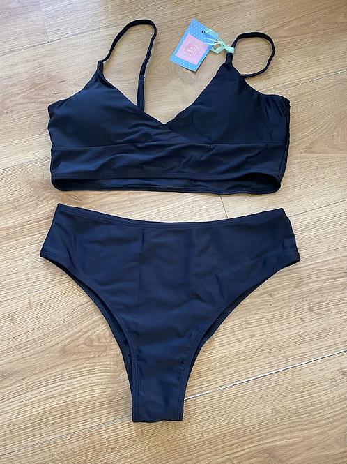 Bikini top preto cintura subida