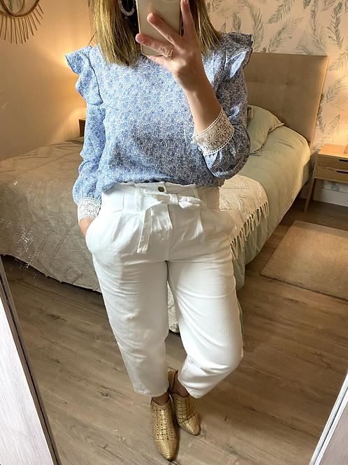 Blusa estampada com punho em renda azul
