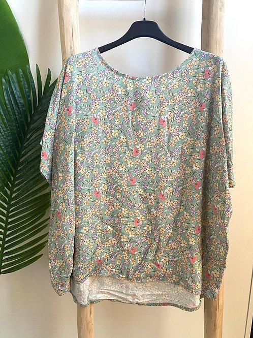 Blusa oversize florzinhas verde