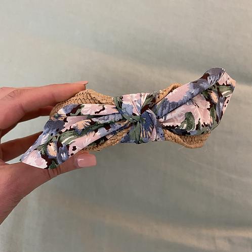 Bandolete ráfia/laço flores azul/rosa