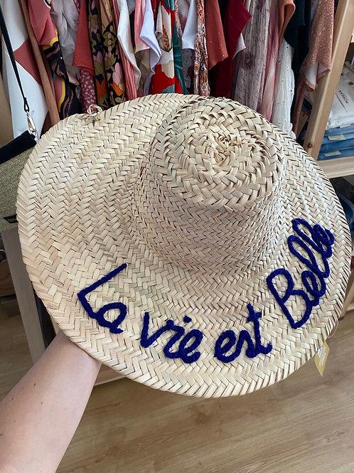 """Chapéu """"la vie est belle"""" azul"""