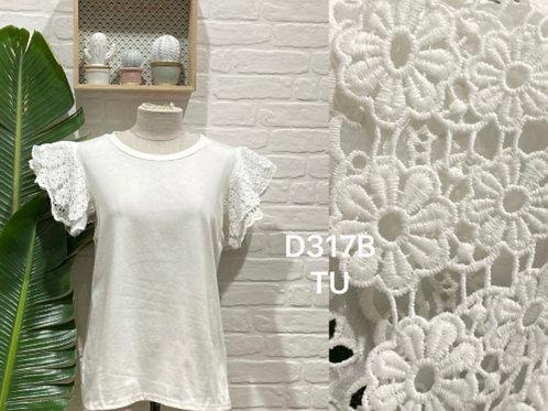 Blusa branca com renda na manga