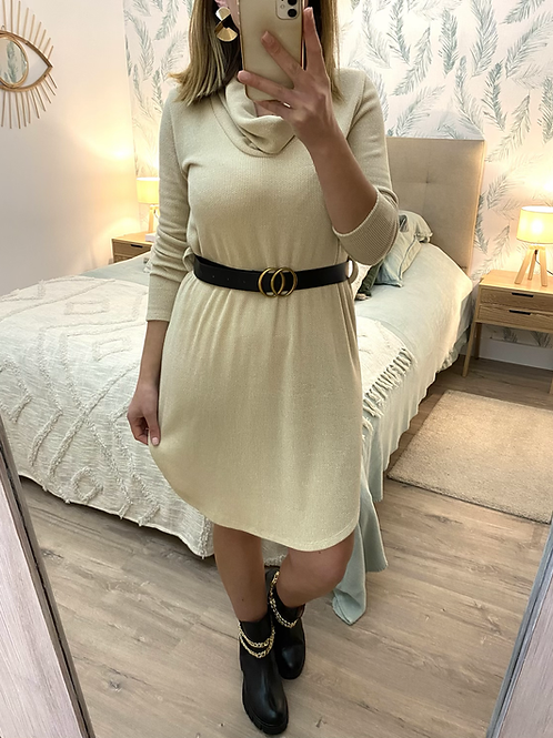 Vestido de malha com cinto beje