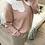 Thumbnail: Camisola de malha rosa com gola bordada