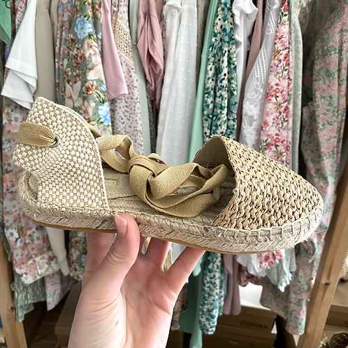 Sandália rasa corda natural