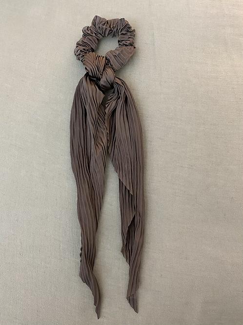 Lenço/elástico para cabelo plissado cinza escuro