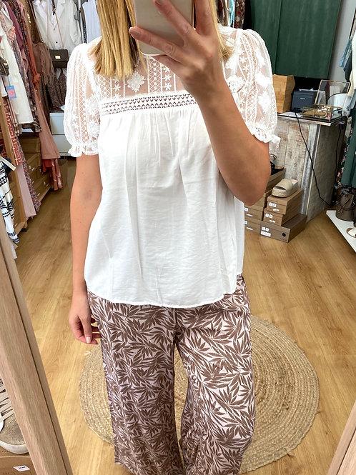 Blusa branca renda manga